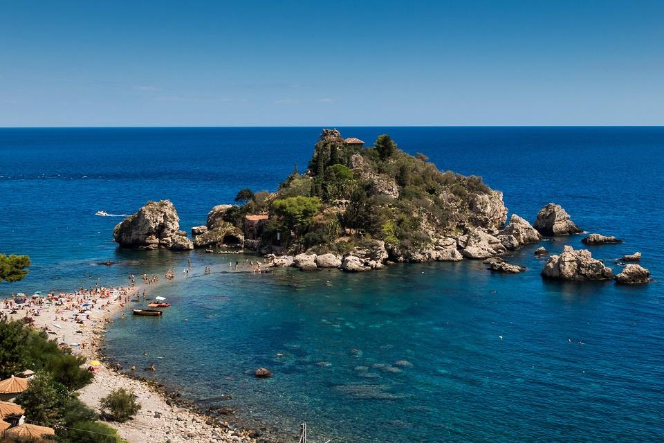 Estate 2016: la Sicilia batte Ibiza